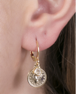 Argola de metal dourado com pedra cristal Lucy