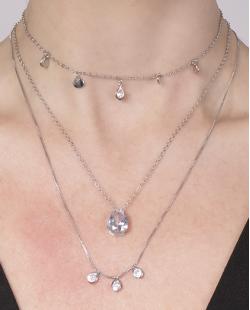 Kit 3 colares de metal prateado com pedra cristal Benícia