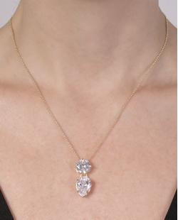 Colar folheado de metal dourado com pedra cristal Ágatha