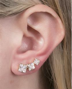 Ear cuff folheado de metal dourado com pedra cristal Lidia