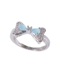 Anel de metal prateado com pedra azul strass cristal Cecília