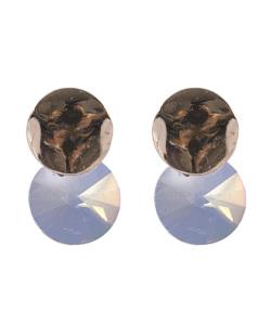 Brinco pequeno de metal dourado com pedra furta-cor Greice