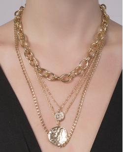 Colar de metal dourado Evelina