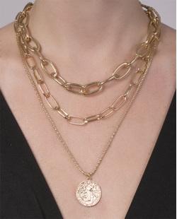 Colar de metal dourado Virgínea