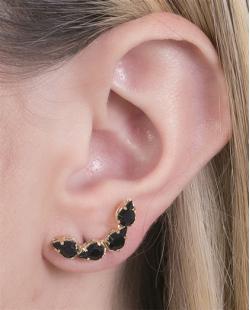 Ear cuff folheado de metal dourado com pedra preta Isabel
