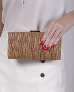 Bolsa de mão clutch de palha bronze Yoná
