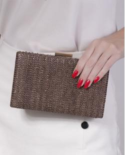 Bolsa de mão clutch de palha brown Yarin