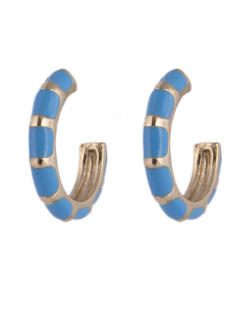 Argola de metal dourado resinada azul Malu