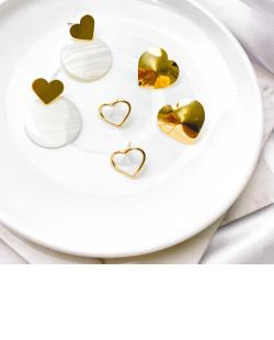 Maxi Brinco de metal dourado com madrepérola Sara