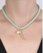 Colar de metal dourado com pedra verde Rubi