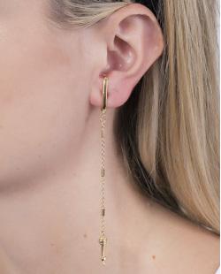 Ear hook de metal dourado Carolaine