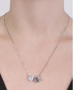 Colar de metal prateado com pedra cristal Fiorella