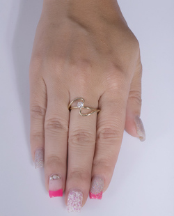 Anel folheado dourado com pedra cristal Yang