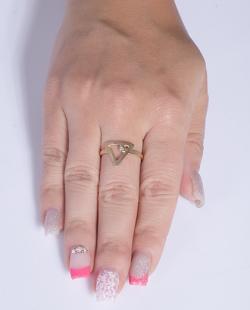 Anel folheado dourado com pedra cristal Grey