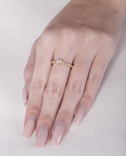 Anel dourado com strass cristal Sandy