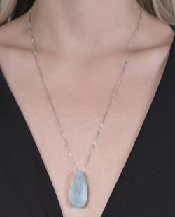 Colar prateado com pedra azul gota Lane