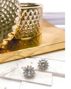 Brinco pequeno dourado com pedra cristal Imbituba