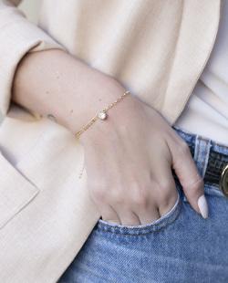 Pulseira folheada dourada com pedra cristal Mariana