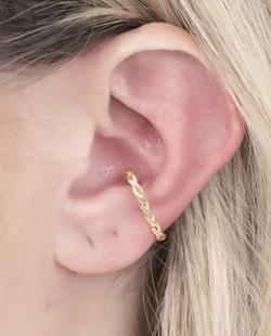 Piercing fake dourado Maluma