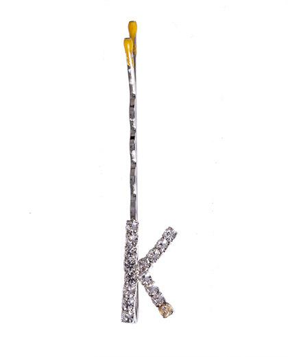 Presilha prateada com strass cristal letra K