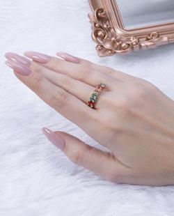 Anel dourado com pedras coloridas Titta