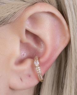 Piercing fake dourado com pedra e strass cristal Viena