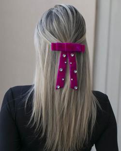 Presilha prateada com pink e pedra cristal Payne