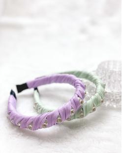 Tiara de tecido lilás com pedra cristal Tuka