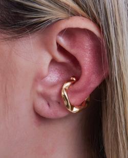 Piercing fake dourado Laira
