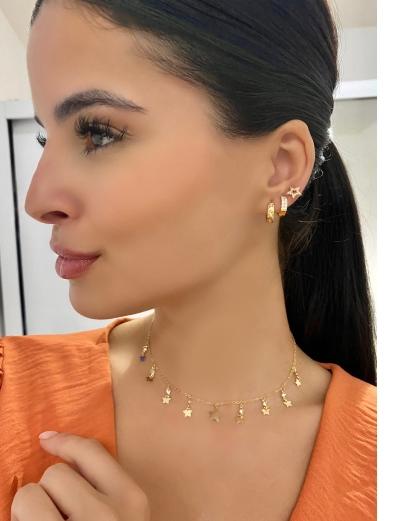 Mix de bijuterias e semi jóias douradas Lek