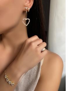 Mix de bijuterias e semi jóias douradas Agnes