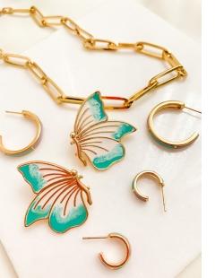 Argola dourada esmaltada Vitória Régia lilás e azul