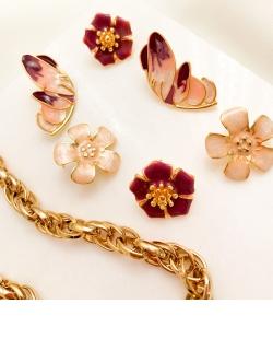 Brinco dourado flor esmaltada Violeta rosê
