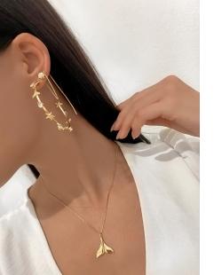 Colar MB Semi joia dourado corrente pingente Rabo de Baleia