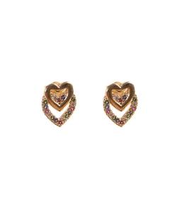 Brinco dourado cravejado colorido dois corações